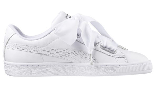 separation shoes 1437b d2a3d Heart Oceanairewomen's white sneakers
